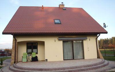 Montaż pokrycia dachowego i systemu rynien ciągłych